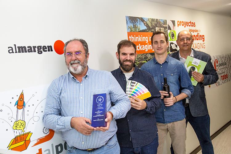 4 Nuevos premios de packaging para aceite en USA. Equipo de diseño de packaging Al Margen